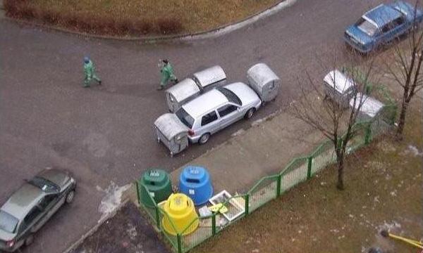 car-humor-funny-joke-road-street-drive-driver-truck-parking-Garbagemen_Revenge-2