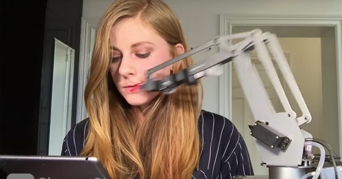 This Girl Made A Robot That Can Apply Lipstick. Watching It Work Is Like Magic