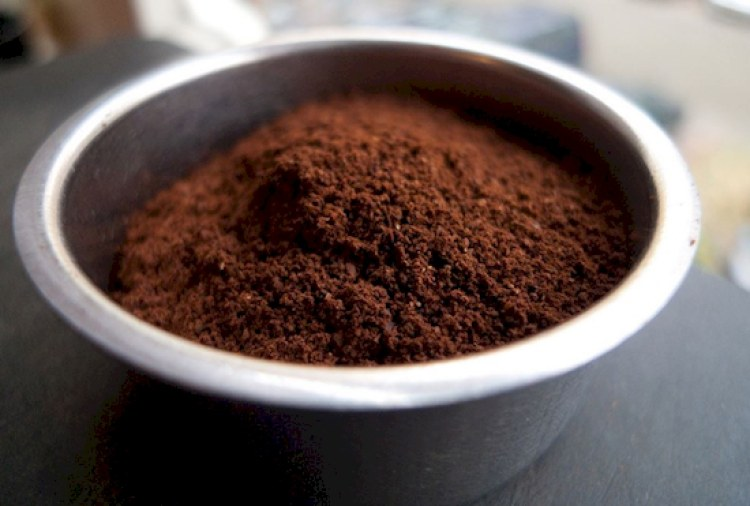 ground coffee in fridge