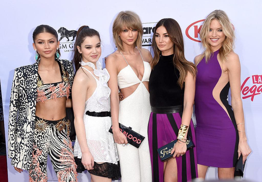 9a6fc975_Taylor-Swift-Red-Carpet-Billboard-Music-Awards.xxxlarge