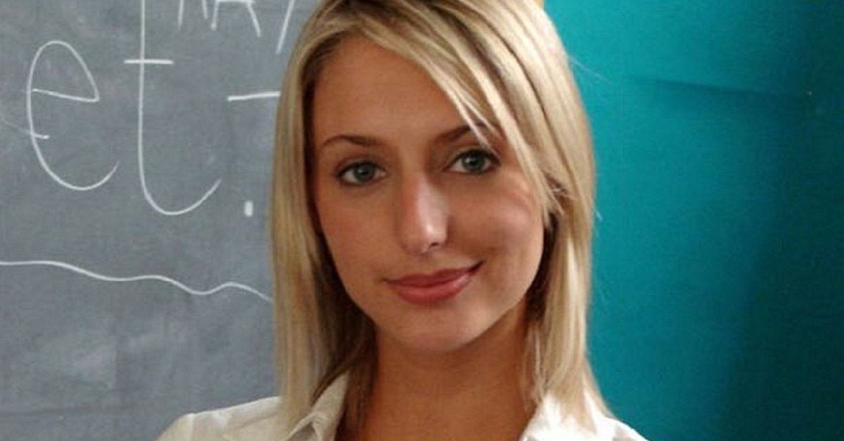 Remember Becca Dean From Hollyoaks? Guess What She's Up To Now