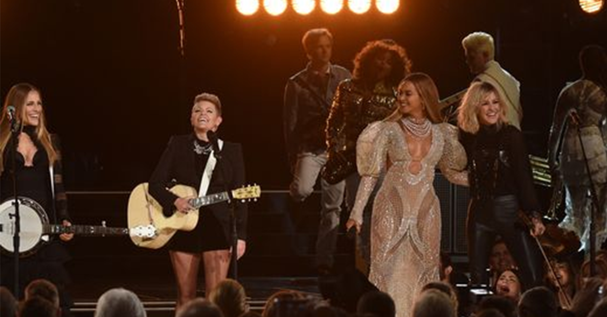 Beyoncé And The Dixie Chicks ROCKED The CMAs Last Night!