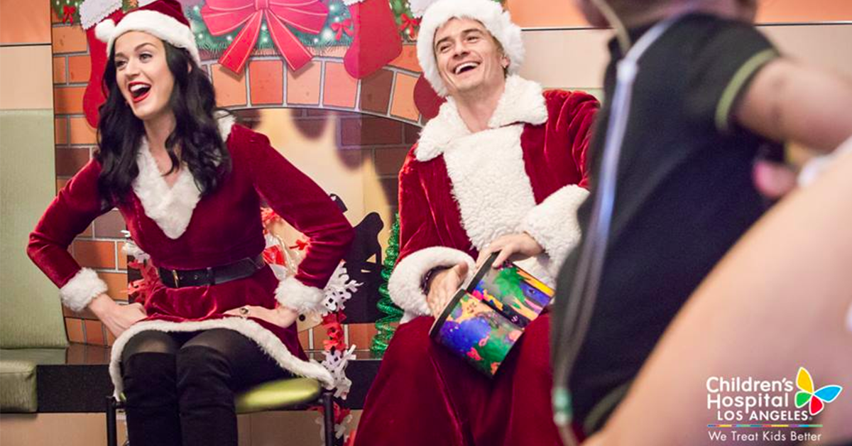 Orlando Bloom & Katy Perry Dressed Up As Santa & Mrs Claus For Sick Children