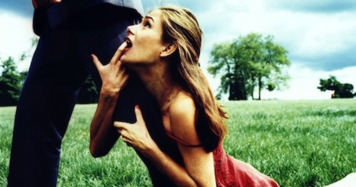 8 Things Girlfriends Do That Secretly REALLY Put Guys Off.