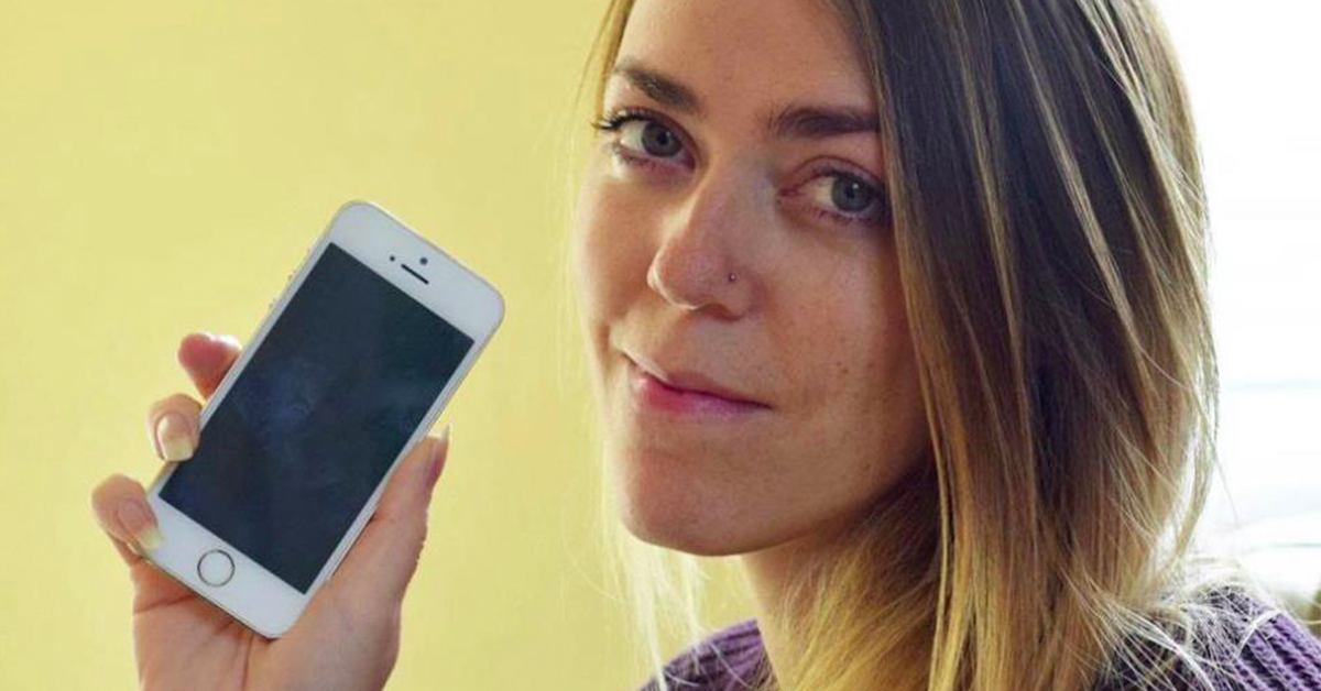 Woman Shocked To Find A-List Celebrities Numbers In Her New iPhone!