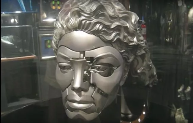 image5 14 Of The Weirdest Expensive Things Michael Jackson Owned