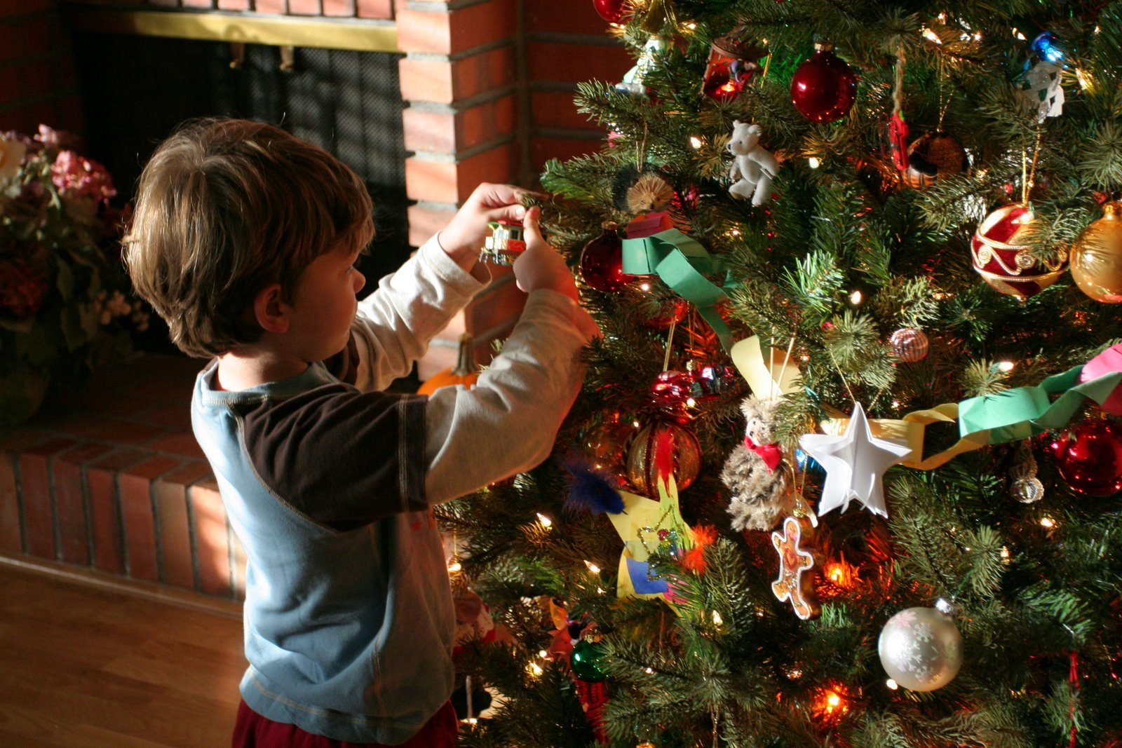 source mason - When To Put Up Christmas Decorations