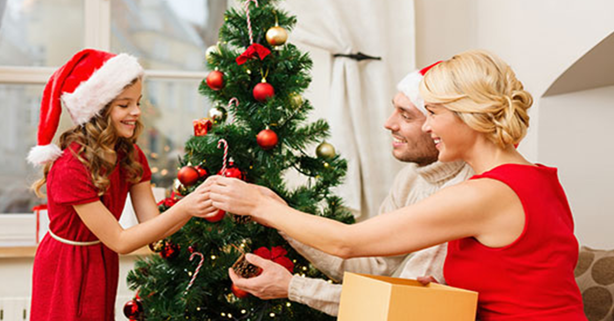 people who put up christmas decorations early are happier according to psychology experts