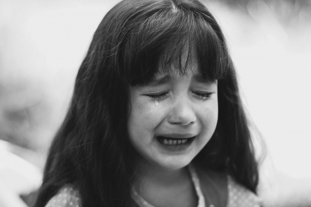 """little girl crying 1304 656 20 Creepy Stories Of People Who Just Knew """"Something Didn't Feel Right"""""""