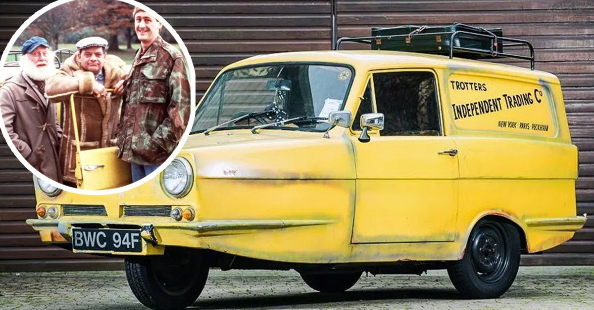 Del Boy's Yellow Reliant Regal Has Been Sold At Auction For A Tidy Sum