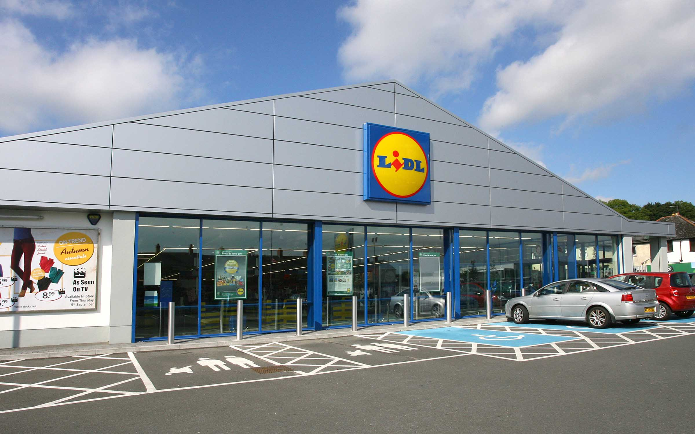 lidl 39 s giving out freebies every week for the next six weeks. Black Bedroom Furniture Sets. Home Design Ideas
