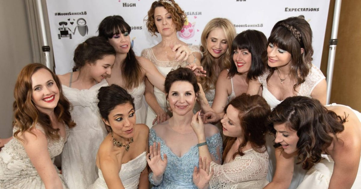 Bride Asked Her Friends To Wear Their Own Wedding Dresses To Her Wedding And The Results Are Amazing
